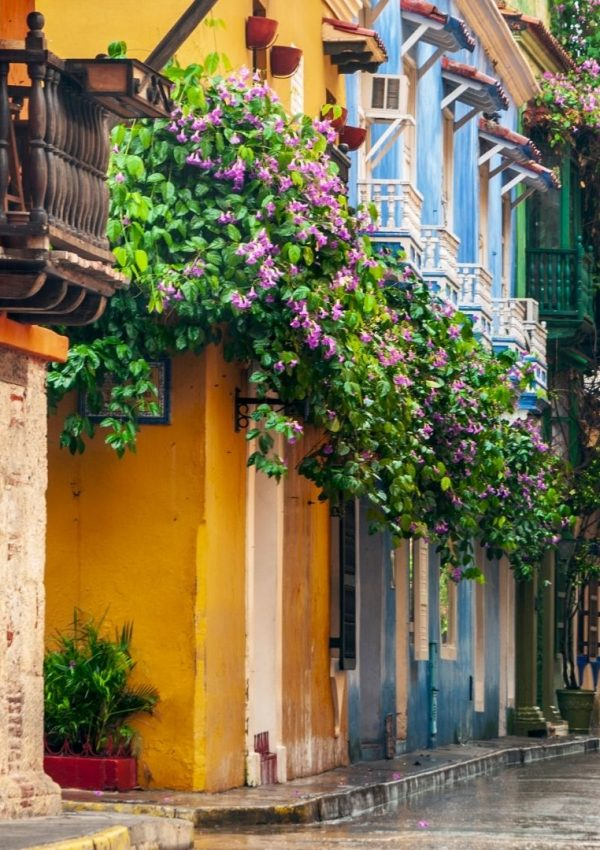 Strolling the Colorful Streets of the Top Attractions in Cartagena, Colombia