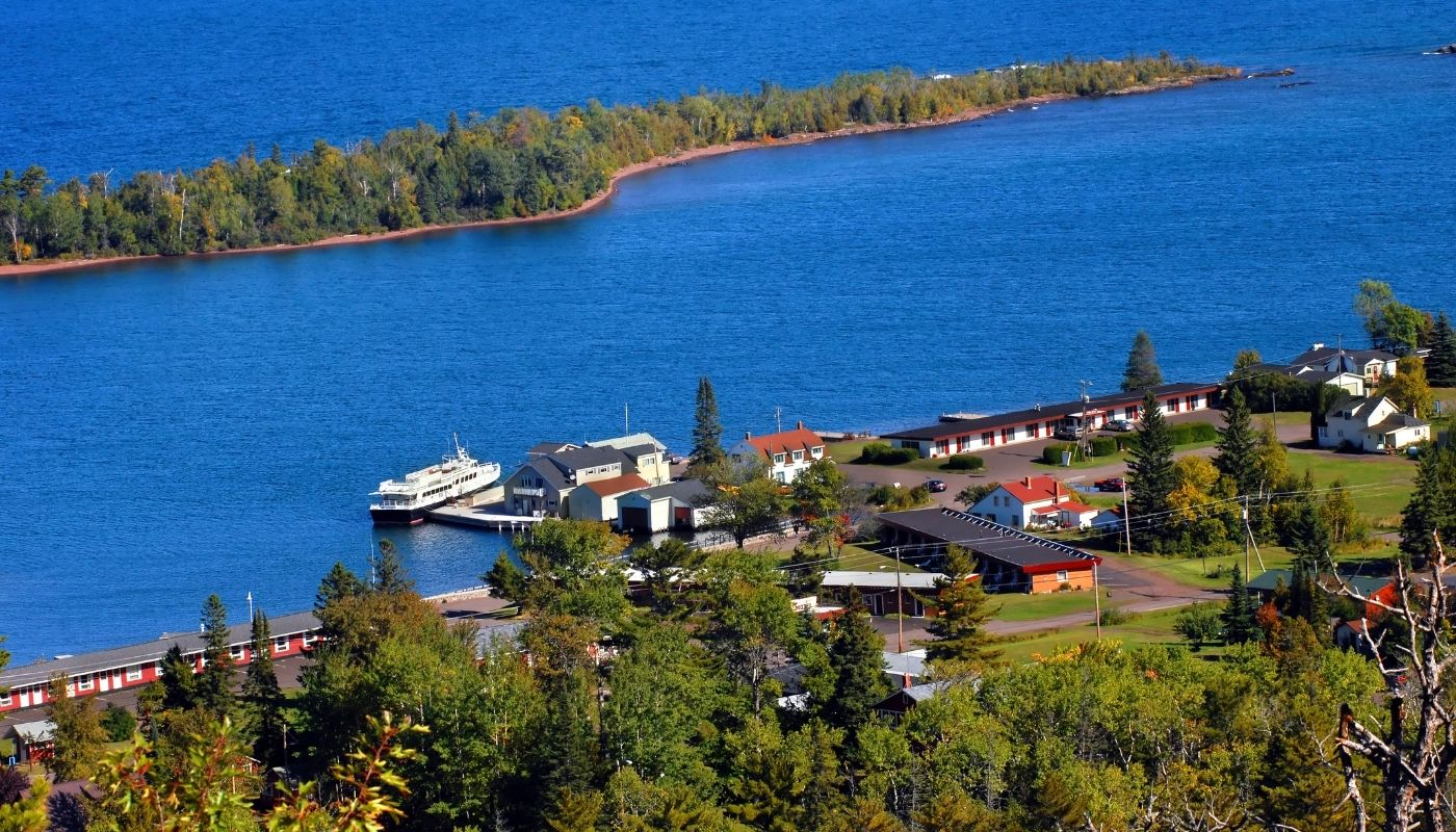 how to get to isle royale mi