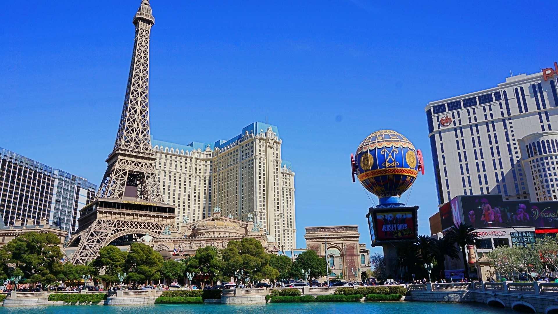 Las Vegas road trip with friends