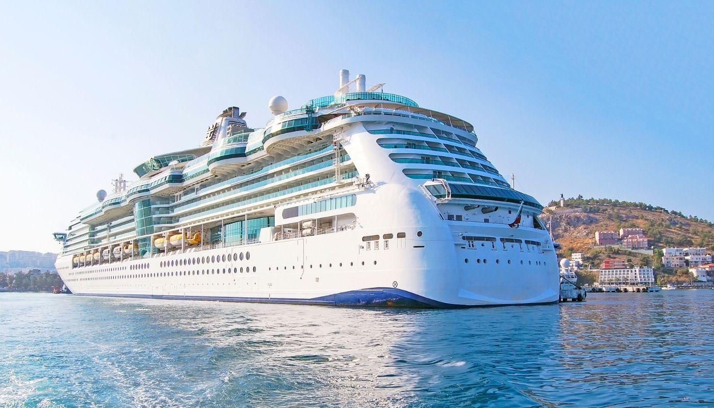 Panama cruises