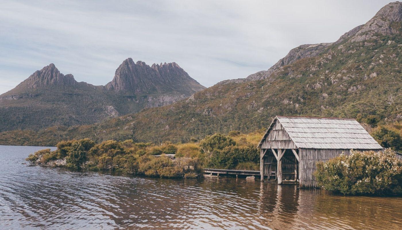 beautiful Dove Lake Tasmania