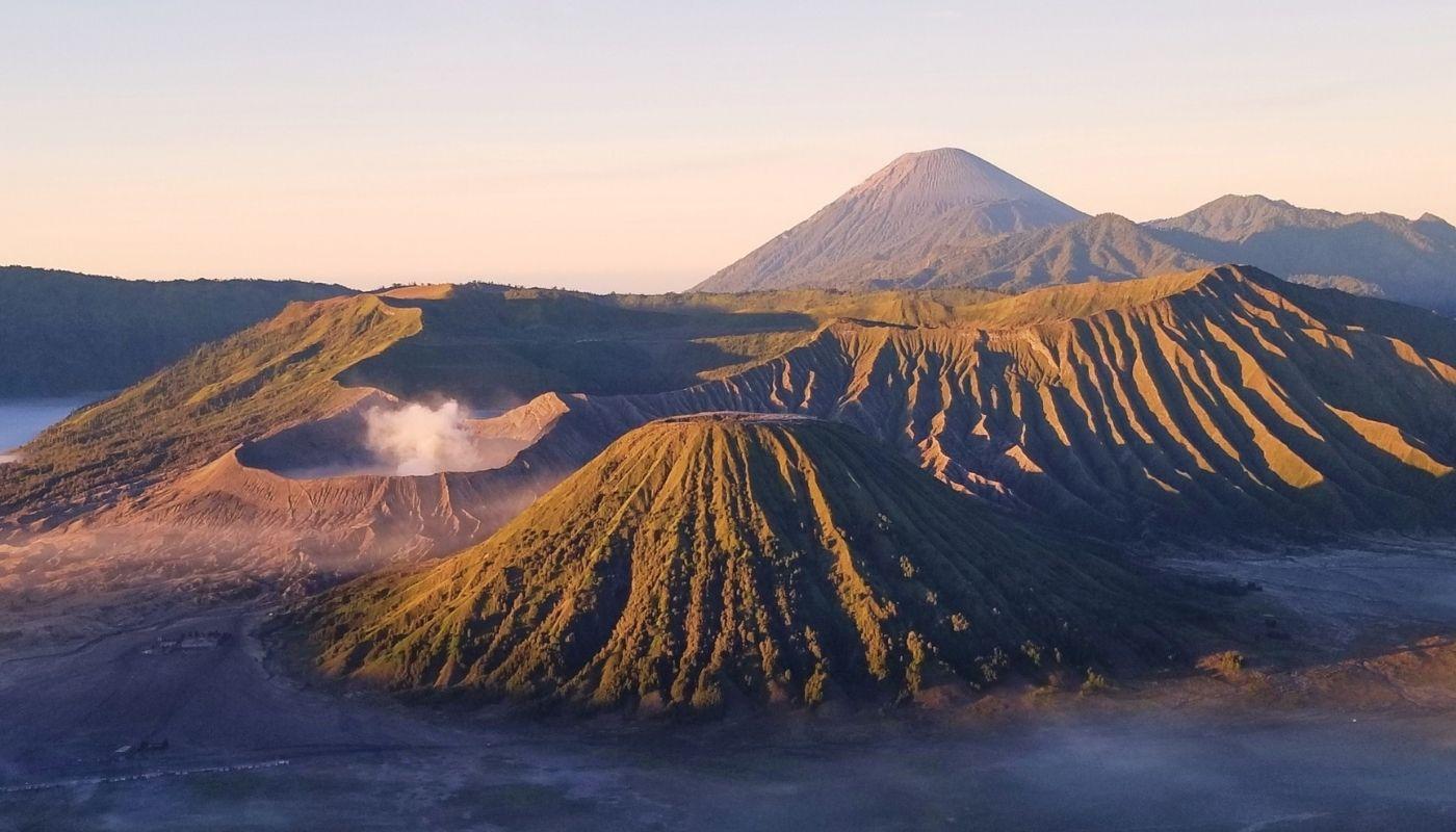 https://thecuratedtravelist.com/mount-bromo-volcano-sunrise-hike-indonesia/