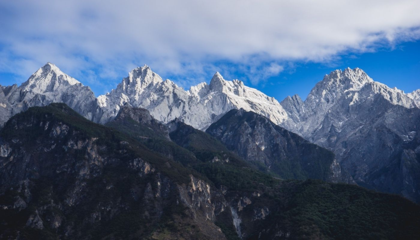 beautiful Tiger Leaping Gorge hike