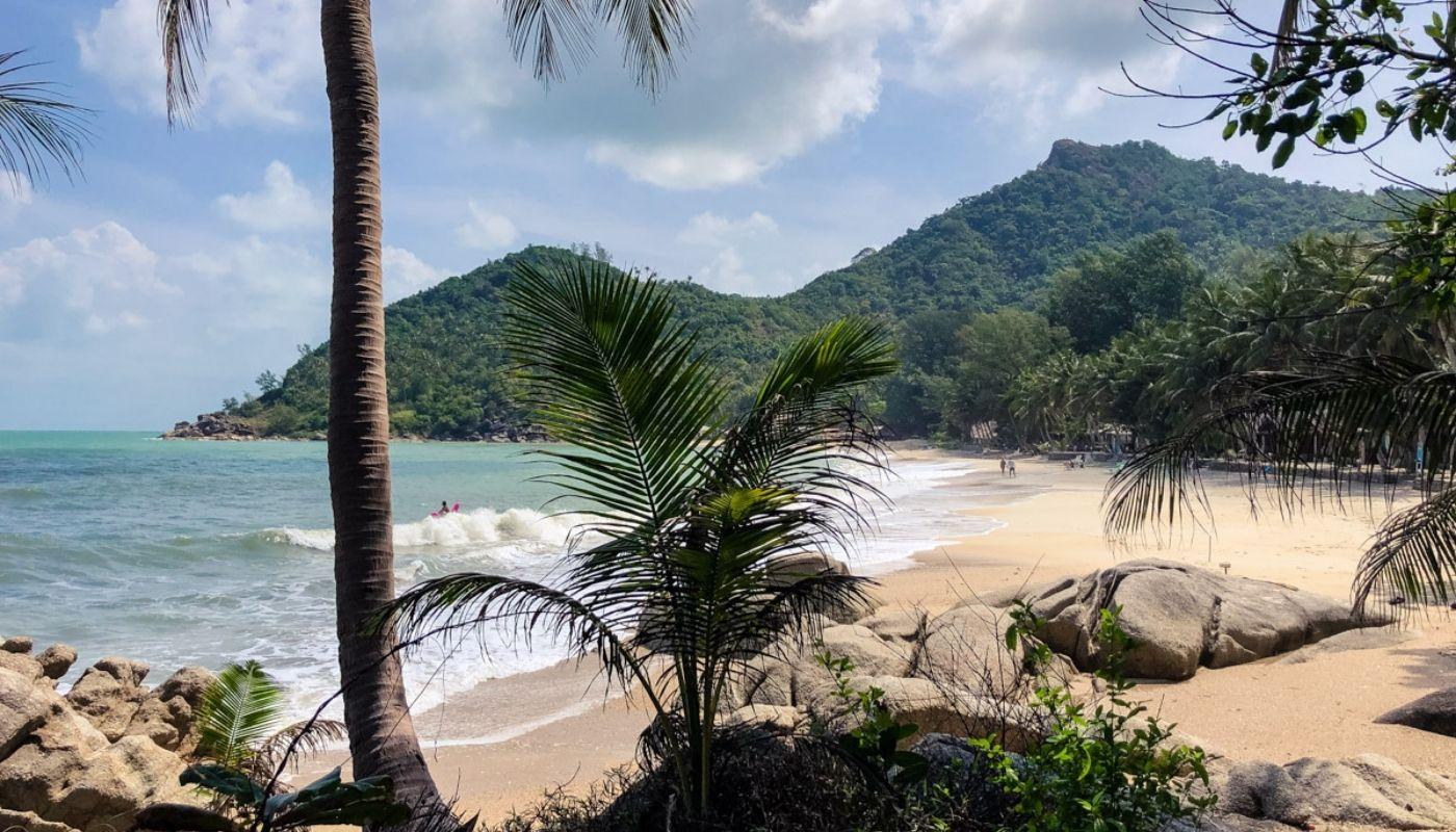 beautiful bottle beach hike