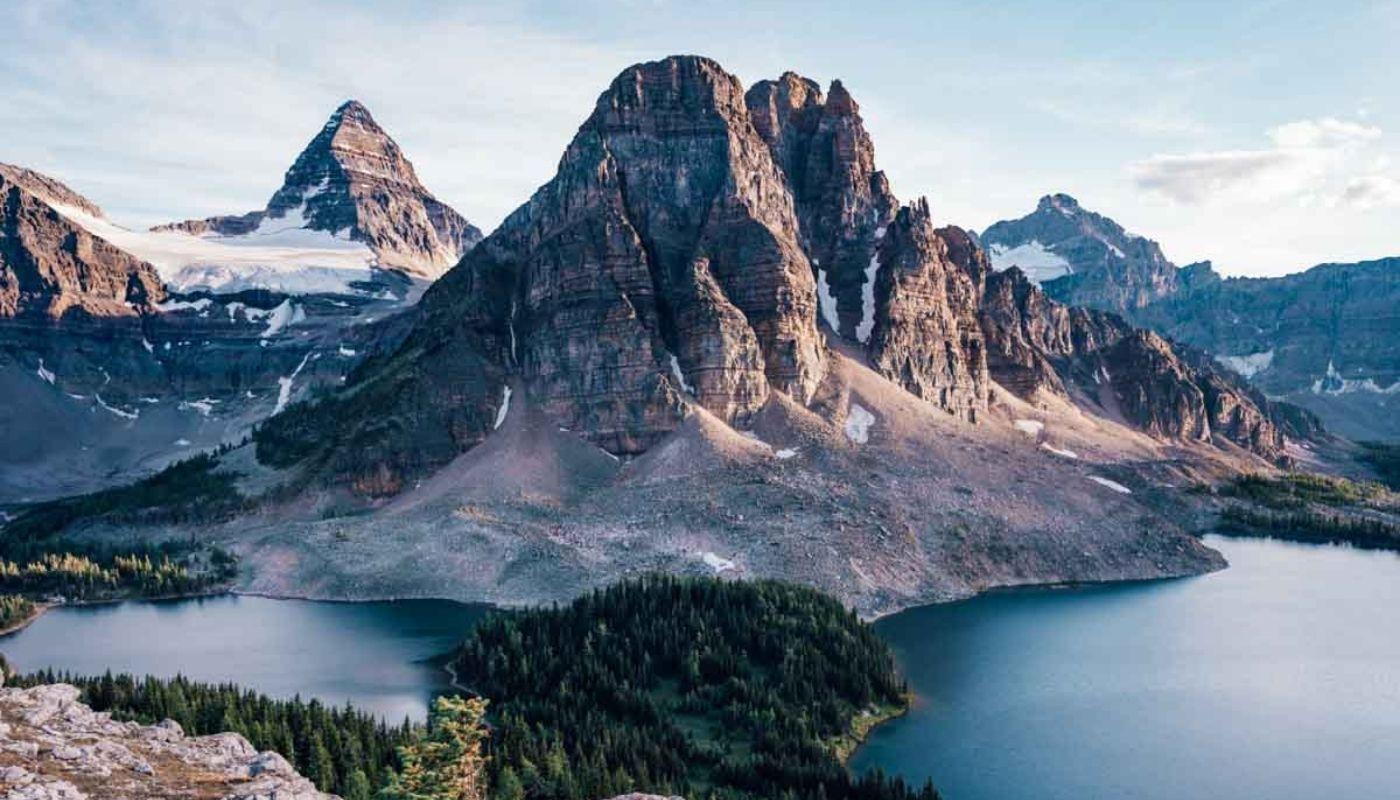 beautiful mount assiniboine hike