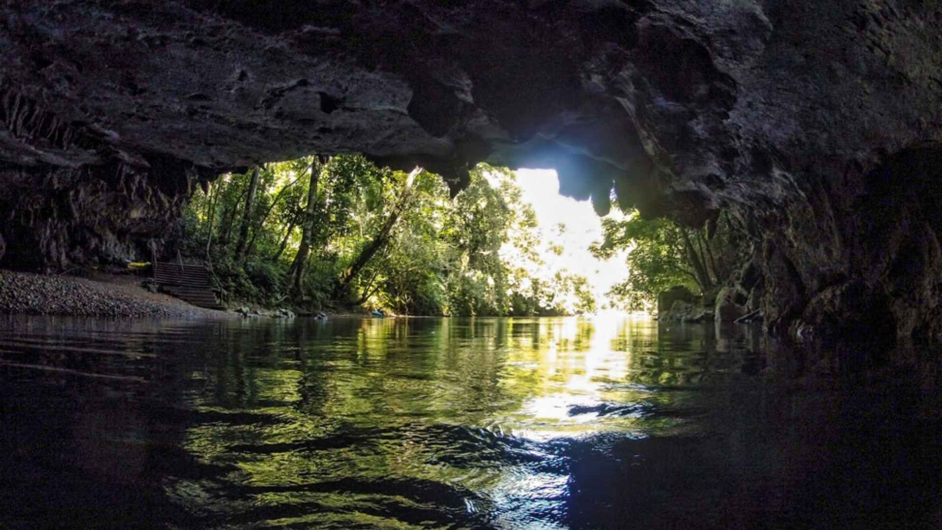 cruise to Belize City cave tubing