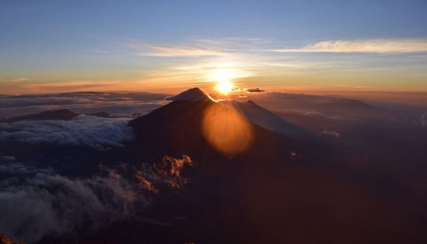 volcan acatenango most beautiful hikes