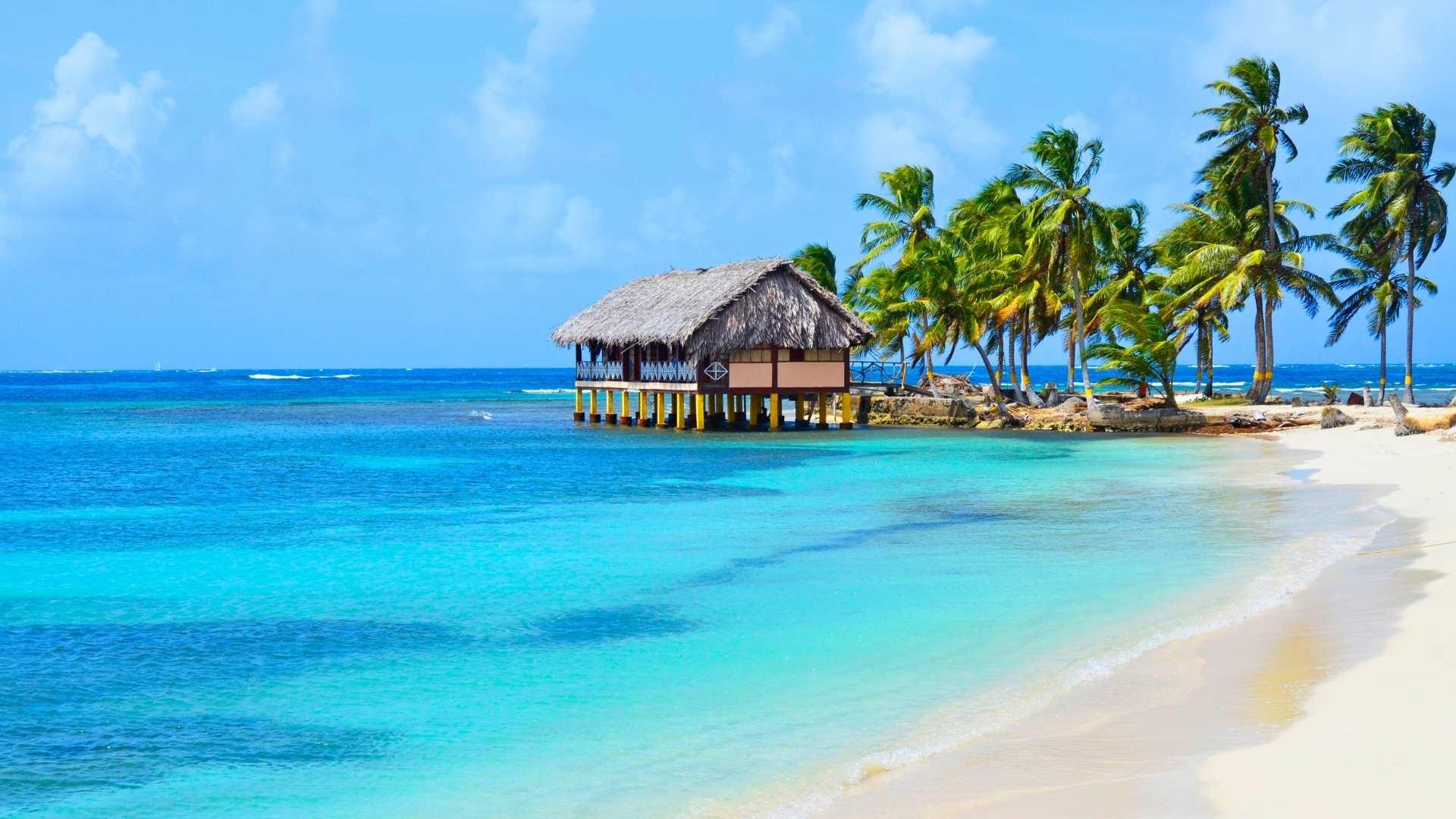 Panama overwater bungalows