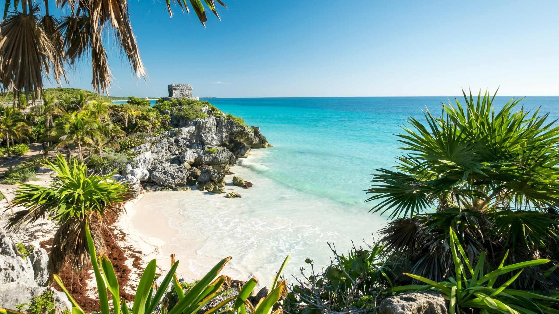 https://www.elliestraveltips.com/beautiful-overwater-bungalows-caribbean/